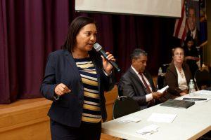 """""""[La rezonificación] es un caballo de Troya"""", dijo la senadora estatal Marisol Alcántara."""