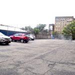 El sitio ahora es el estacionamiento de la escuela.
