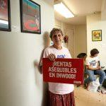 Los activistas pidieron viviendas asequibles.