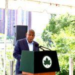 El comisionado de Parques de NYC Mitchell Silver hizo el anuncio.