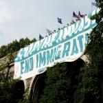 El grupo supremacista desplegó pancartas en Fort Tryon Park.