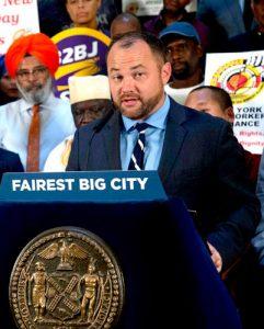 """""""Estamos haciendo lo correcto para la ciudad de Nueva York"""", dijo el presidente del Concejo Municipal, Corey Johnson."""