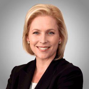 La senadora Kirsten Gillibrand presentó el proyecto de ley.