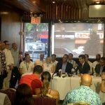 Rodríguez se reunió con propietarios de pequeños negocios después de la votación del 1 de agosto.