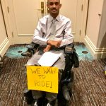 Defensores del acceso para sillas de ruedas impulsaron la legislación.