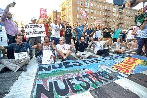 Protesta en Broadway.