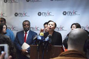 """La representante Nydia Velázquez calificó los comentarios de Trump como """"escandalosos""""."""