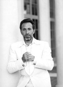 Un retrato de Emilio Estefan es parte de la colección permanente en el Smithsonian. Foto: Alexis Rodríguez-Duarte