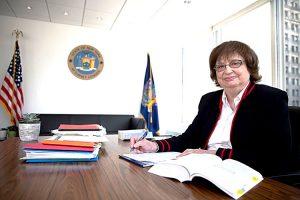 """""""Las víctimas en Nueva York merecen ser escuchadas también"""", dijo la fiscal general de Nueva York, Bárbara D. Underwood."""