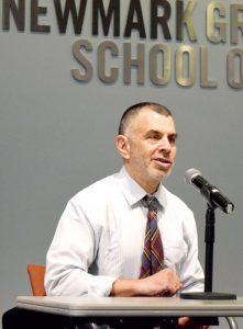 El Dr. Mitchell Katz es el presidente y director general de los Hospitales Health + de Nueva York.