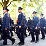 La ceremonia atrajo a bomberos y personal del servicio de emergencias médicas de toda la ciudad.