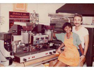 Renee y Robert Mancino abrieron la pastelería Inwood poco después de que se casaron.