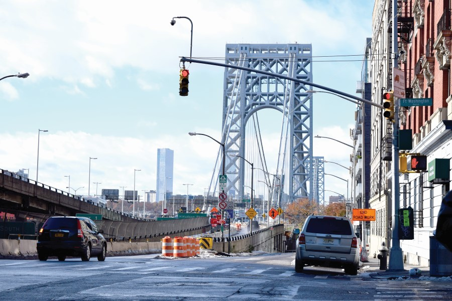 Port Authority plans toll hike, airport cab feesAutoridad
